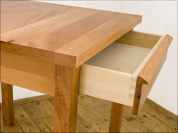 tisch mit schublade trendy esstisch aus recyceltem esstisch mit schublade neu ikea esstisch von. Black Bedroom Furniture Sets. Home Design Ideas